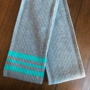 NWOT Lululemon 100% Wool Gray and Teal Scarf 🧣